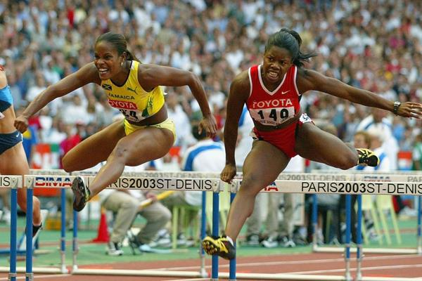 Brigitte Foster-Hylton and Perdita Felicien in the 2003 World Championships 100m hurdles final (Getty Images)