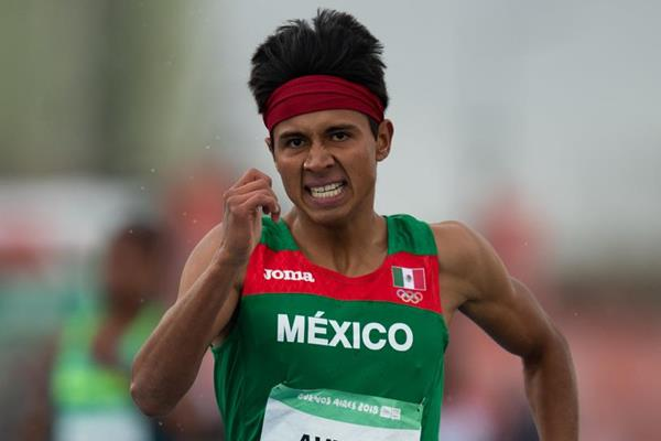 Luis Antonio Aviles Ferreiro in the opening round of the 400m at the Youth Olympic Games in Buenos Aires (Joe Toth for OIS/IOC)