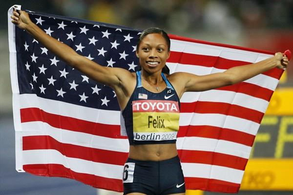 Allyson Felix celebrates successfully defending her 200m World Championship title at the 12th IAAF World Championships in Athletics (Getty Images)