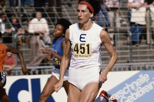 Irena Szewinska in action at the 1977 IAAF World Cup (Getty Images)