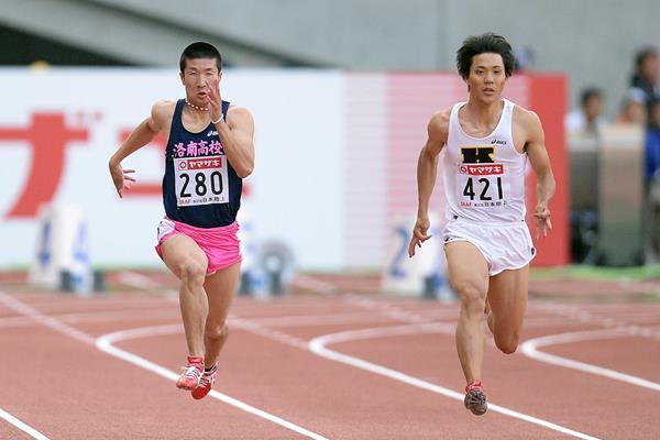 Ryota Yamagata defeats Yoshihide Kiryu in the 100m at the Japanese Championships (Getty Images)
