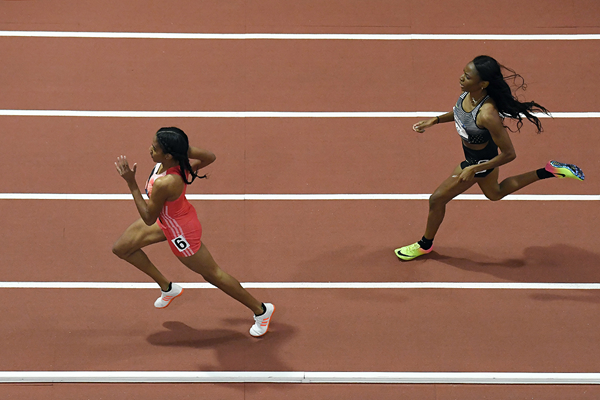 Ajee Wilson wins the US indoor 600m title from Courtney Okolo (Kirby Lee)