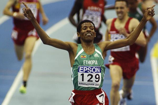 Haile Gebresilasie wins the 3000m at the 2003 IAAF World Indoor Championships in Birmingham (Getty Images)