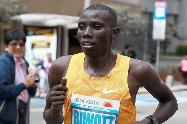 Stanley Biwott at the 2015 Bogota International Half Marathon (Organisers / Victah Sailer)