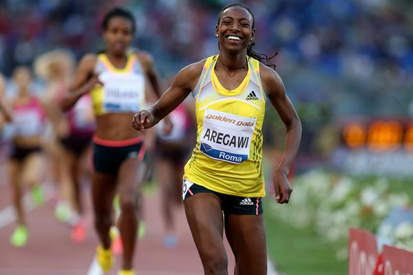 Abeba Aregawi wins the 1500m in Rome (Giancarlo Colombo)