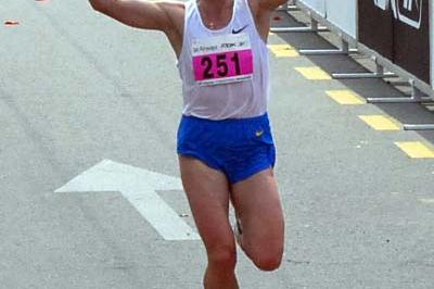 Halina Karnatsevitch (BLR) winning the Belgrade Marathon (Pedja Djurovic)