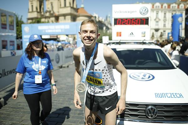 Galen Rupp after his Prague Marathon victory (Organisers)