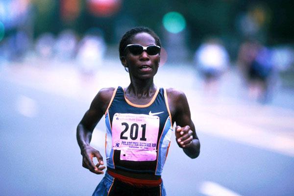Catherine Ndereba running the Philly (Victah Sailer)