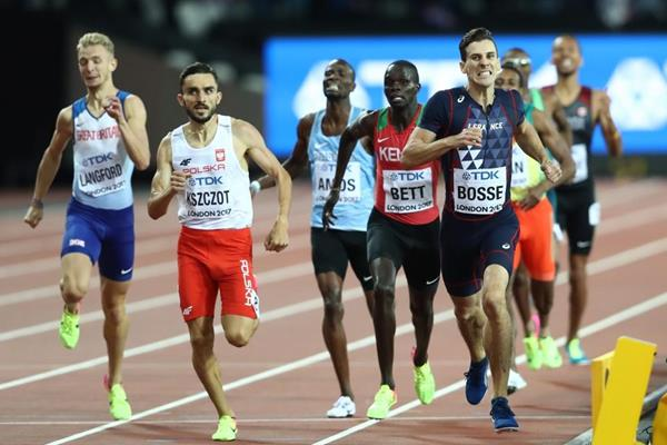 Pierre-Ambroise Bosse wins the 800m at the IAAF World Championships London 2017 (Getty Images)