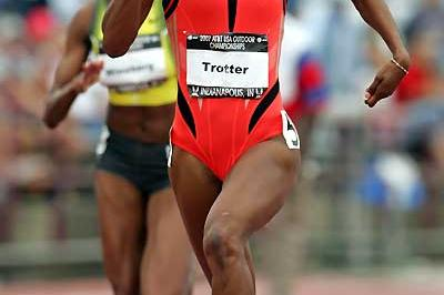 De'Hashia 'DeeDee' Trotter on her way to 400m victory - USATF (Getty Images)
