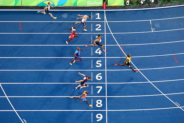 Finish line photo of the men's 200m in Rio ()