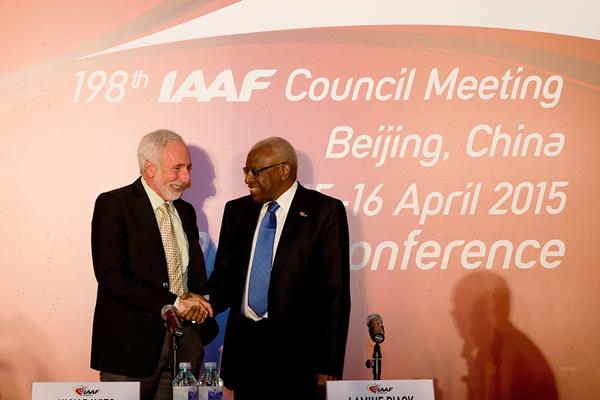 IAAF President Lamine Diack with Tracktown USA President Vin Lananna (IAAF)