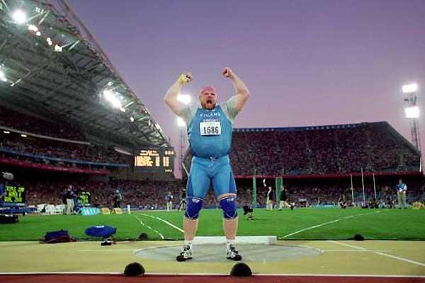 Finland's Arsi Harju in Sydney 2000 (Getty Images)