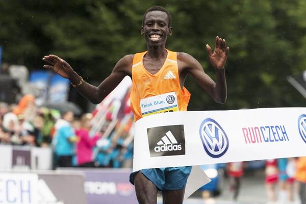 Patrick Terer wins in Prague (Volkswagen Prague Marathon)