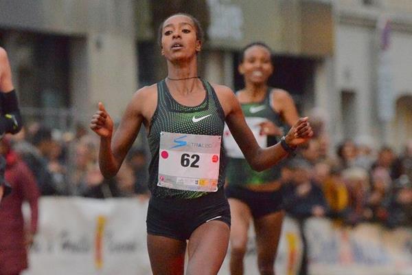 Gete Alemayehu wins the Corrida Pédestre Internationale de Houilles (Jiro Mochizuki)