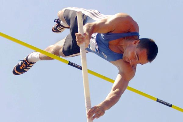 Roman Sebrle in the decathlon pole vault in Gotzis (Bongarts / Getty Images)
