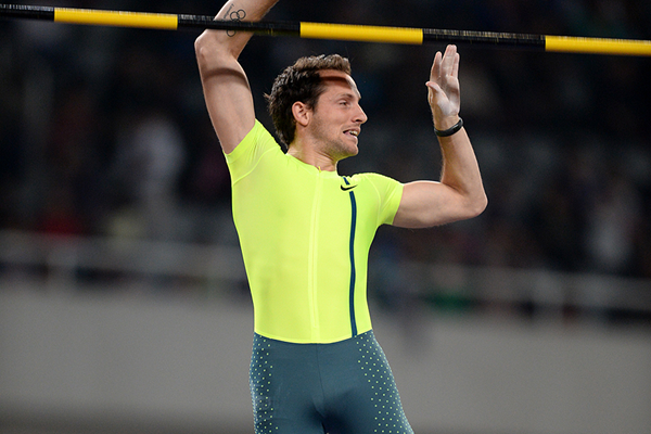 Renaud Lavillenie in the pole vault at the IAAF Diamond League meeting in Shanghai (Errol Anderson)