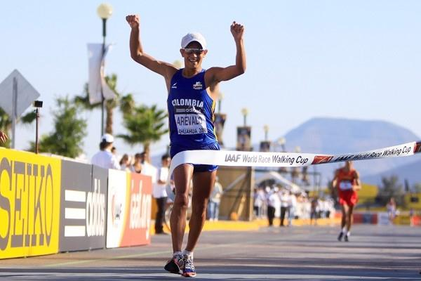Eider Arevalo celebrates winning the junior 20km and Colombia's first ever gold medal in Chihuahua (IAAF.org)