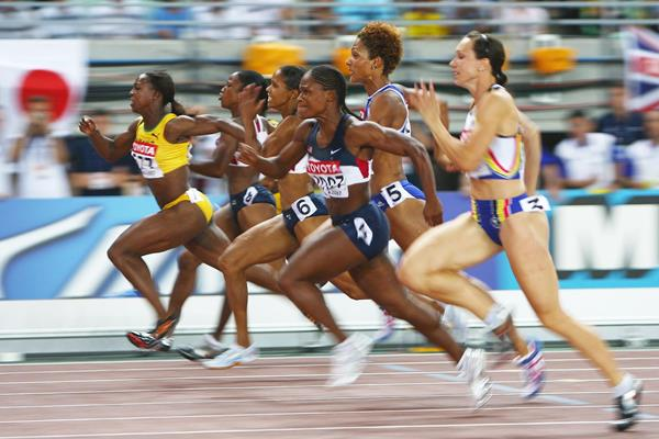 Veronica Campbell-Brown (far left) on her way to winning the 100m at the 2007 IAAF World Championships in Osaka (Getty Images)