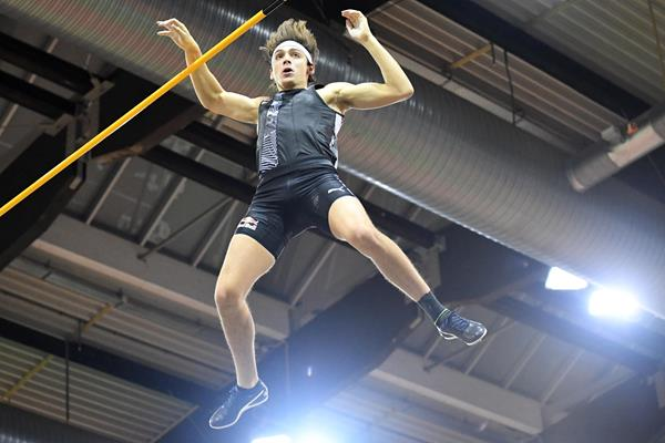 Armand Duplantis in pole vault action on the World Athletics Indoor Tour (Gladys Chai von der Laage)