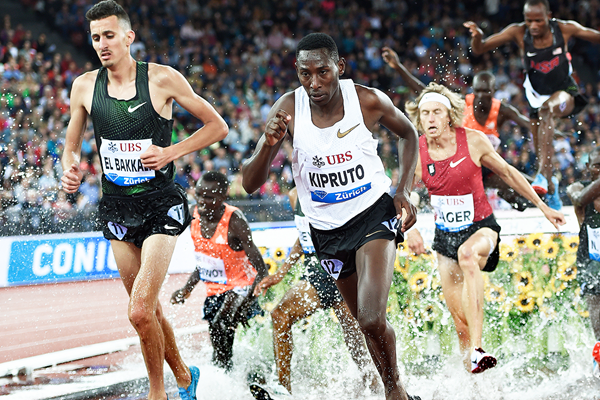Conseslus Kipruto on his way to winning the 3000m steeplechase at the IAAF Diamond League final in Zurich (Mark Shearman)