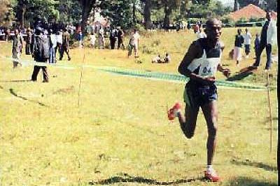 Edwin Kipkorir on his way to winning the junior race at the 5th AK Cross Country Meeting (Omulo Okoth)
