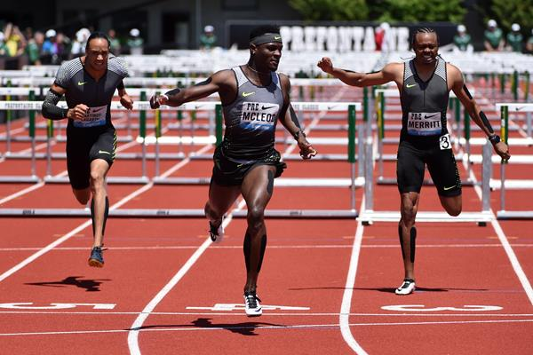 Omar McLeod (centre) wins the 110m hurdles at the 2016 IAAF Diamond League meeting in Eugene (Kirby Lee)