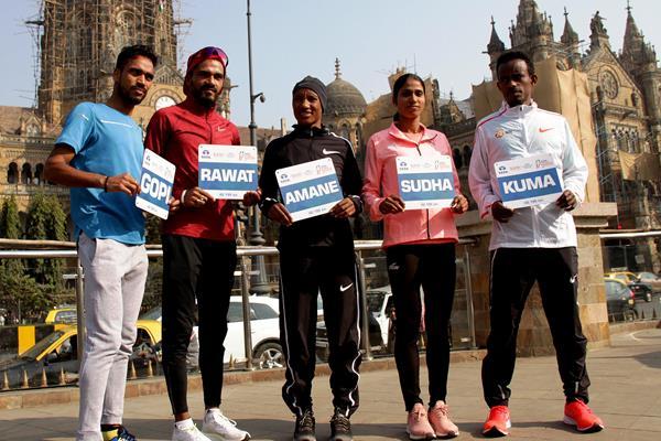 Gopi Thonakal, Nitender Singh Rawat, Amane Gobena, Sudha Singh and Abera Kuma in Mumbai (Organisers)
