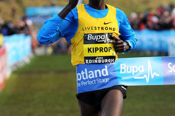 Asbel Kiprop takes the showcase 3Km in Edinburgh (Mark Shearman)