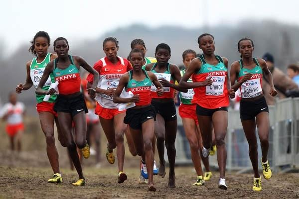 Mercy Cherono (second from right) on her way to winning World Junior cross country gold in Bydgoszcz (Getty Images)