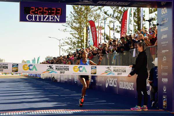 Abebe Afework winning the 2017 Gold Coast Marathon (organisers)
