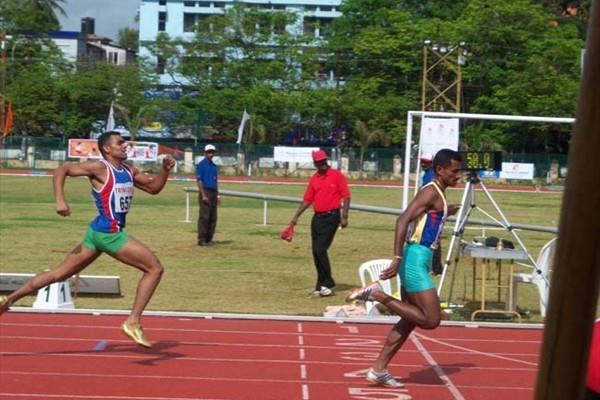 Joseph Abraham winning the men's 400m Hurdles at the Indian Champs (Ram. Murali Krishnan)