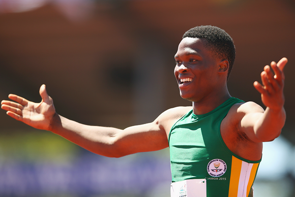 Tlotliso Leotlela after winning the 200m at the Commonwealth Youth Games (Getty Images)