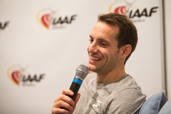 Renaud Lavillenie speaks to the media (Philippe Fitte / IAAF)