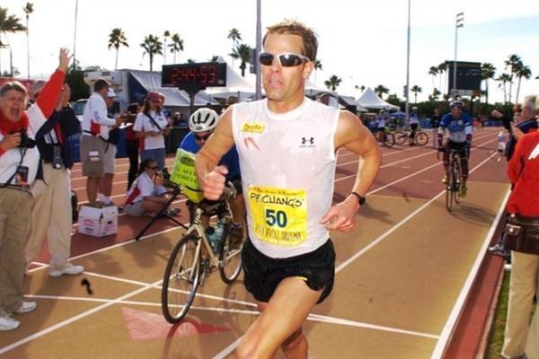Josh Cox running the 50km in Phoenix, Arizona, USA (ASI Photo)