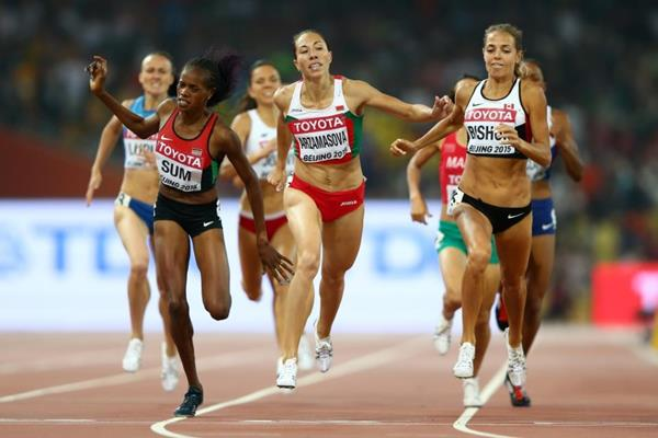 Marina Arzamasova wins the 800m at the IAAF World Championships, Beijing 2015 (Getty Images)