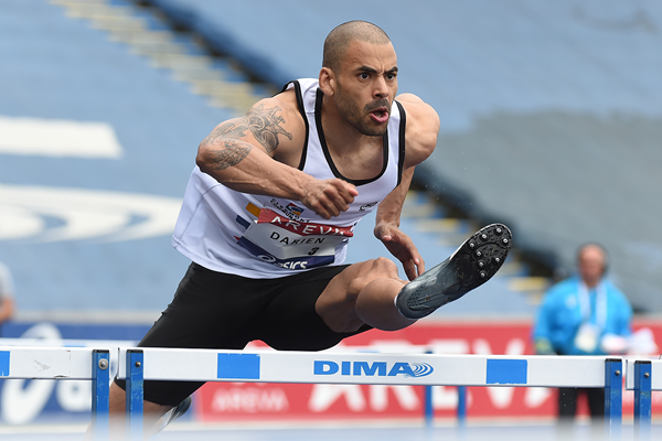 Garfield Darien in the 110m hurdles at the French Championships (Stéphane Kempinaire/KMSP)