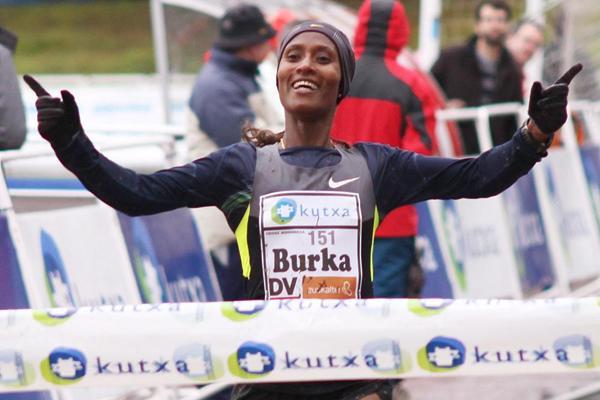 Gelete Burka wins at Elgoibar (Alfambra Fundación ANOC)