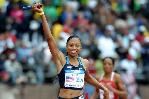 Allyson Felix anchors the victorious 4x400m quartet at Penn (Kirby Lee)