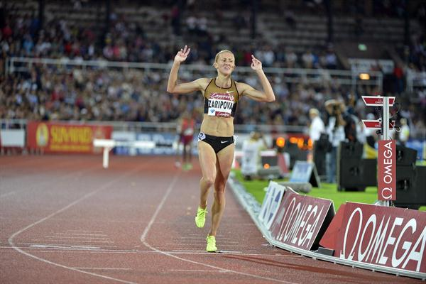 Yuliya Zaripova crosses for a new world season lead and meeting record in the 3000m Steeplechase in Stockholm (Deca Text & Bild)