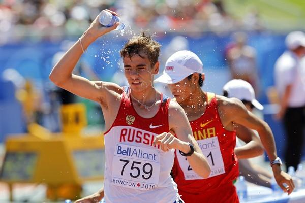 After almost 41 minutes of walking, less than half a second separated Valery Filipchuk and Zelin Cai at the end of the 10,000m walk (Getty Images)