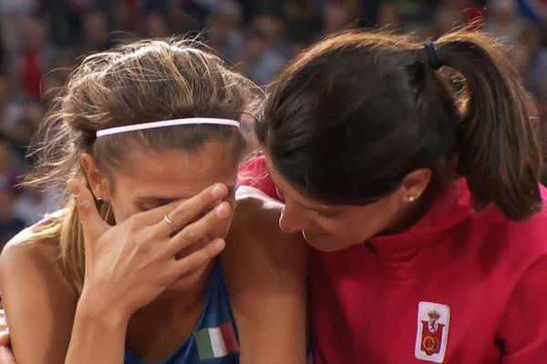 Ruth Beitia consoles Alessia Trost at the IAAF World Championships London 2017 (IAAF)
