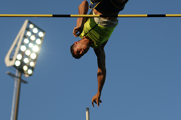 Thiago Braz in the pole vault at the IAAF Diamond League meeting in Lausanne (Getty Images)