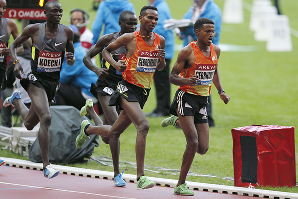 Hagos Gebrhiwet in the 5000m at the IAAF Diamond League meeting in Paris (AFP / Getty Images)