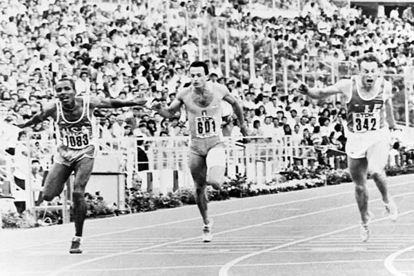 Calvin Smith (far left) wins the 200m at the 1987 IAAF World Championships in Rome (AFP / Getty Images)
