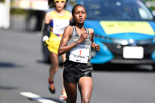 Eunice Jepkirui Kirwa on her way to winning the Nagoya Women's Marathon (Agence SHOT)