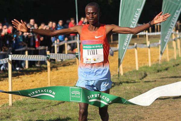 Paul Tanui, winner of the men's race at the Cross Internacional de Italica (Alfambra Fundación ANOC)