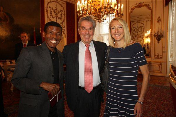 The President of Austria Heinz Fischer meets with Paula Radcliffe and Haile Gebrselassie  (VCM / Jean-Pierre Durand)