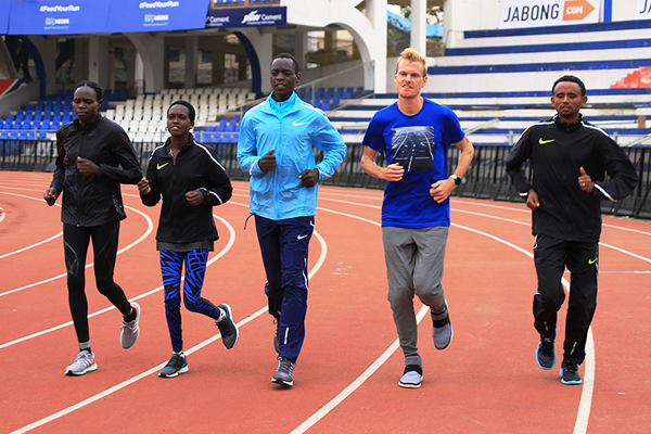 Helah Kiprop, Irene Cheptai, Leonard Komon, Zane Robertson and Mosinet Geremew ahead of the TCS World 10K in Bengaluru (TCSW10K / Procam International)