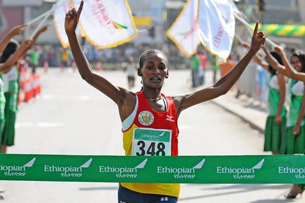 Sule Utura takes a convincing victory at the Great Ethiopian Run 10Km (Mark Shearman)